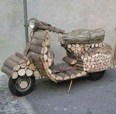 Very rustic Vespa. Piaggio Vespa, Lambretta Scooter, Scooter Motorcycle, Vespa Scooters, Trike Scooter, Sidecar, Classic Vespa, Motor Scooters, Cool Bikes