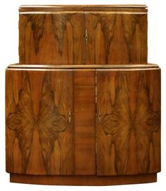 DECO BAR WALNUT WITH EXTENDING BAR TOP AND LIQUIOR CABINET VINTAGE