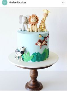 Backdrop decor details from a Jungle Safari Birthday - Unal Maho Jungle Birthday Cakes, Jungle Theme Cakes, Fish Cake Birthday, Animal Birthday Cakes, Safari Cakes, Baby Boy 1st Birthday Party, First Birthday Cakes, First Birthday Parties, Birthday Themes For Kids