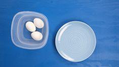 Synes du det er irriterende å fiske opp eggeksall fra bollen, eller at det tar for lang tid å skrelle hardkokt egg? Vi har løsningene! Se våre eggetriks!