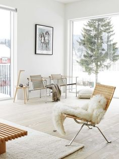 scandinaviancollectors:  PoulKjærholm´s PK22 lounge chair (1951), Jeanneret & Perriand & Le Corbusier armchairs and Charlotte Perriand wooden bench. / Desireecasoni