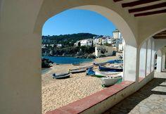 Buenos días desde #calella  Os deseamos un buen fin de semana!  www.estefaniaysergio.com