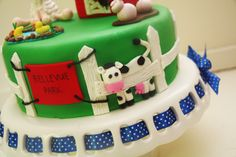 Farm Cake Tutorial – The Shed and Cow