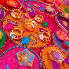 Colourful mehndi trays. See my Facebook page www.facebook.com/mehnditraysforfun for more inspirational ideas and unique designs