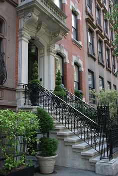 NYC. Patrician New York townhouse. Would love to live in something like this #townhouse