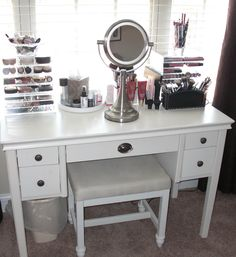 Vanity For Small Rooms