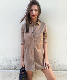 Weekend going ⬆️/ Emily Ratajkowski/ khaki dress
