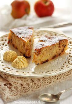 Tarta rustica de mere - retete culinare. Reteta de tarta rustica de mere. Ingrediente si mod de preparare tarta rustica de mere. Reteta tarta mere. recipe