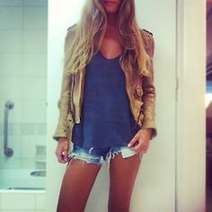 It's always so hard to find the perfect blue shirt to wear with a shade of jeans but love this tan jacket to pair