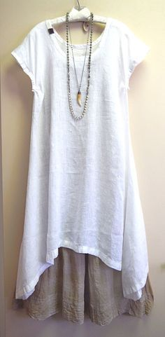 Lovely Summer Linen Tunic @ Kati Together! Style Outfits, Mode Outfits, Pretty Outfits, Beautiful Outfits, Casual Outfits, Fashion Outfits, Dress Fashion, Bikini Fashion, Vetements Clothing