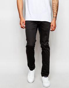 """Jeans von Izzue Stretch-Denim verdeckter Hosenschlitz schmale Passform, sitzt eng am Körper Maschinenwäsche 98% Baumwolle, 2% Elastan Unser Model trägt Größe 81 cm/32"""" und ist 188 cm/6 Fuß 2 Zoll groß"""
