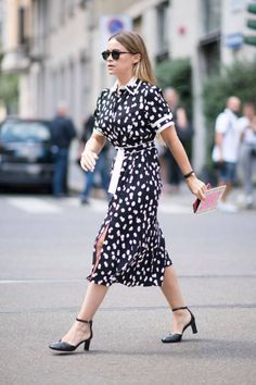 Miroslava Duma seen before the Dolce and Gabana during Milan Fashion Week Spring/Summer 2018 on September 24 2017 in Milan Italy Pantone, Milan Fashion Week Street Style, Mira Duma, Love Her Style, Miroslava Duma, Street Chic, Fashion Pictures, Work Wear, Dress Skirt