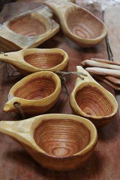 Yoav Yelkeryam lovely wooden bowl spoons or scoops Green Woodworking, Woodworking Jigs, Woodworking Projects, Carved Spoons, Got Wood, Wood Spoon, Wood Bowls, Whittling, Wood Design