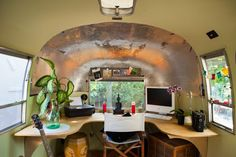 Check out this mobile office/studio space - created within an airstream! Nice.