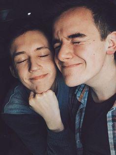 Troye Sivan & Connor Franta :)