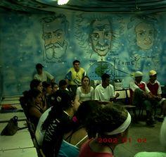 Sala de Física pintada pelos Anjos Pintores