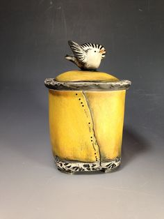 Babette Harvey click now for info. Hand Built Pottery, Slab Pottery, Pottery Bowls, Ceramic Pottery, Pottery Art, Thrown Pottery, Pottery Studio, Pottery Ideas, Ceramic Boxes