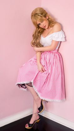 The Pink Gingham Vixen Swing Skirt has arrived at Deadly is the Female, official UK stockists of Vixen by Micheline Pitt. The new and limited edition gingham is inspired by the iconic style of Bardot. Pin Up Outfits, Pin Up Dresses, Casual Dresses, Cool Outfits, Vintage Inspired Fashion, Vintage Fashion, Retro Fashion, Vintage Style, Mode Pin Up
