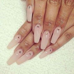 Nails long nude