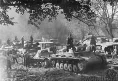 A Panzer II along with numbers of Panzer 1 tanks gathering at an assembly area during the early stages of the invasion of Poland in 1939 Panzer Ii, Mg 34, Invasion Of Poland, Ww2 Pictures, Tank Destroyer, Ww2 Tanks, German Army, Armored Vehicles, World War Two