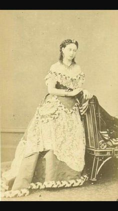 """Grand Duchess Alice of Hesse (Darmstadt) and By Rhine. """"AL"""""""