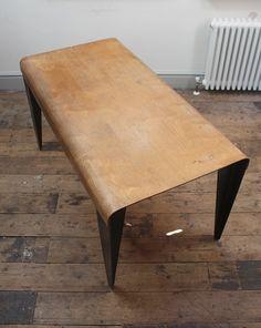 Modèle de table BT3 designé par Marcel Breuer en 1936