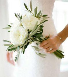 Repérés sur Pinterest: les 30 bouquets de mariée les plus jolis - Blanc et vert, la simplicité même. © Pinterest Instagram