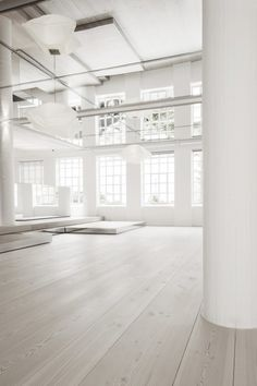 DINESEN showroom | Space Architecture & Interior Design