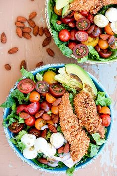 Sriracha Almond-Crusted Chicken Caprese Salad | www.floatingkitchen.net