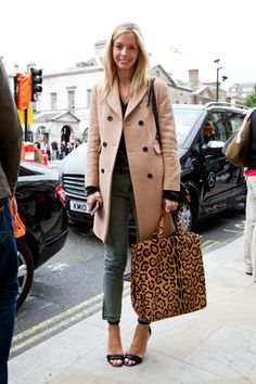 Meredith Melling Burke. Love the bag.