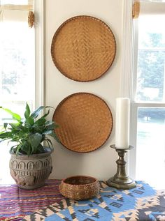 From the high-pitched ceilings to woven storage baskets, we take a look at traditional Philippine home decor perfect for the summer. Home Decor Baskets, Baskets On Wall, Woven Baskets, Wall Basket, Modern Master Bathroom, Modern Bathroom Design, Modern Filipino House, Style Tropical, Tropical Decor