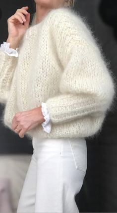 Have a nice week ♡ - Pulli Stricken Looks Street Style, Looks Style, Style Me, Estilo Cool, Fashion Outfits, Womens Fashion, Fashion Trends, Mohair Sweater, Insta Look