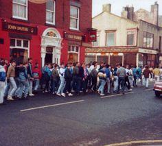 Retro Galleries – Old School Hooligan Pics Football Firms, Football Hooliganism, British Football, Football Casuals, Manchester United Football, School Football, Ultras Football, Liverpool Fc Wallpaper, Nostalgic Pictures