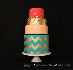 Golden zig zag by Flying B Cakes on www.cakeside.com!