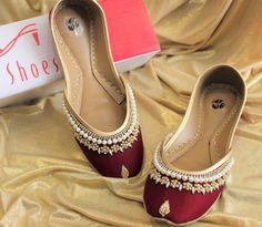 Maroon Shoes, Black Flats Shoes, Casual Shoes, Shoes Sandals, Bridal Sandals, Bridal Shoes, Wedding Shoes, Bridal Footwear, Blouse Lehenga