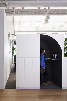 삼성동 소재 외국계 회사 – STUDIOVASE Corporate Interiors, Office Interiors, Library Cafe, Interior Design Lounge, Site Office, Modern Tech, Office Meeting, Coworking Space, Inspired Homes