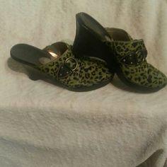 COLE HAAN WEDGE HEELS COLE HAAN WEDGE OLIVE GREEN AND DARK BROWN OR BLACK Cole Haan Shoes Wedges