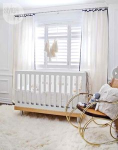 neutral baby's room    View entire slideshow: 20 Modern Nurseries on http://www.stylemepretty.com/collection/359/