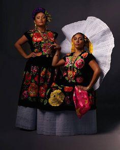 Traje de Tehuana Oaxaca Fotografía de trajes típicos