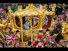 Britain's Queen Elizabeth (R) and Prince Philip ride in the Golden State Carriage at the head of a parade from Buckingham Palace to St Paul's Cathedral celebrating the Queen's Golden Jubilee June 2002 along The Mall in London. Princess Elizabeth, Queen Elizabeth Ii, Maria Theresia, Queen 90th Birthday, England, Prince Phillip, Bank Holiday Weekend, Queen Mother, Buckingham Palace