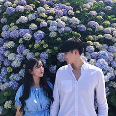 Imagen de couple, flowers, and dating ulzzang couple, ulzzang girl, beautiful couple Couple Ulzzang, Ulzzang Girl, Couple Aesthetic, Aesthetic Photo, Matching Couples, Couples In Love, Korean Best Friends, Asian Love, Korean Couple