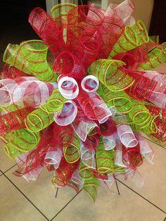 Deco Mesh Wreaths for Sale | Advent Wreaths – Spiral Curly Deco Mesh Christmas Wreath – a ...