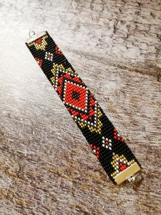 Native American Seed, Native American Beadwork, Native American Fashion, Beaded Choker Necklace, Beaded Bracelets, Beaded Hat Bands, Turquoise Chevron, White Choker, Beaded Collar