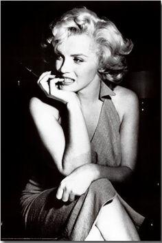 Marilyn candid