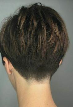 Layered-Hair-Back-View Best Short Haircuts for frisuren frauen frisuren männer hair hair styles hair women Short Pixie Haircuts, Pixie Hairstyles, Short Hairstyles For Women, Short Hair Cuts, Pixie Cuts, Haircut Short, Hairstyle Short, Office Hairstyles, Anime Hairstyles