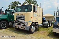International 9670 Cabover