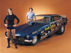 """icu ~ Pin on Classic Drag Racing ~ 1973 — """"Jungle Pam"""" Hardy and """"Jungle Jim"""" Liberman with his Chevy Vega Funny Car. You'd be hard-pressed to say who was hotter back in the R… Funny Car Drag Racing, Nhra Drag Racing, Funny Cars, Auto Racing, Racing News, Rat Rods, Raiders, Jungle Jim Liberman, Pam Hardy"""