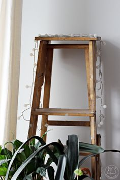 Oravanpesä | vanhat tikkaat Koti, Ladder Decor, Mirror, Furniture, Home Decor, Decoration Home, Room Decor, Mirrors, Home Furnishings