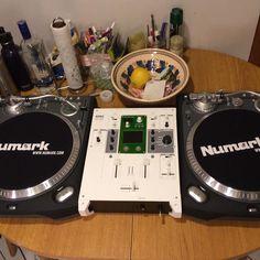 Decks in the kitchen just like Grandmaster Flash. #turntables #turntablism #vinyl #numark #numarkttx #korg #km202 #korgkm202 #cutting #scratching #wildstyle #grandmasterflash by paknava http://ift.tt/1HNGVsC