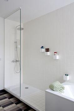 studio k - jaren '30 woning deurne 2010 (art deco, modernist house, patern tiles floor, bathroom, original elements, white)